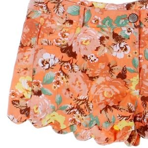 Very J Coral Floral Print Scalloped Shorts